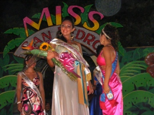 15 Years Old Raquel Badillo was crowned Miss San Pedro 2009